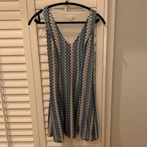 Fun & Sexy! Midi dress w/stretch, Zig Zag pattern!
